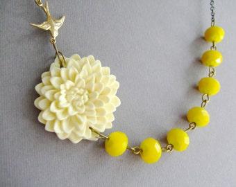 Wedding Jewelry Set,Ivory Bridal Jewelry, Ivory Flower Necklace,Bridesmaid Jewelry Set,Yellow Jewelry,Yellow Necklace,Ivory Necklace,Gift