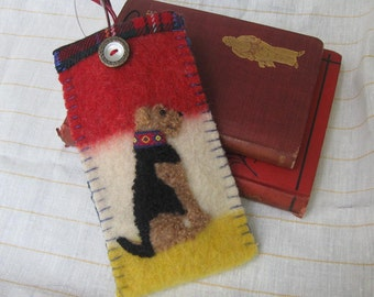 Airedale Terrier Dog Eyeglass / Sunglass Case - Vintage Wool