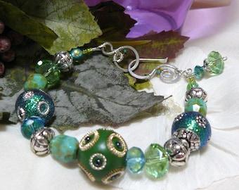 Kashmiri Beaded Bracelet ~ Bollywood Bracelet ~ Blingy Bracelet ~ Beaded Bling Bracelet ~ Green Bead Bracelet ~ Green Bracelet ~ Silver