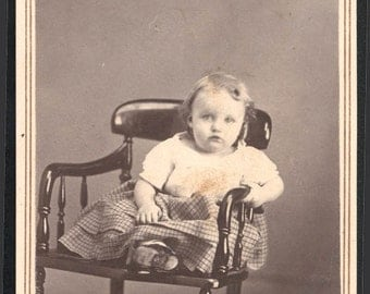 Vintage Photo Baby Girl in Chair Oberlin Ohio CDV Platt phtgrphr