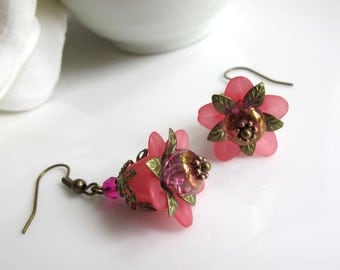 Dark Pink Lucite Nature Floral Earrings. Plum Rondelle Czech beads. Dangle Drop. Bridal Wedding Ear Jewelry Accessory