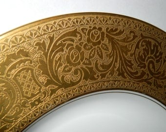 1911-1930's Vintage Heinrich & Co, SELB Bavaria Germany Dinner Plate, Gold Encrusted,  Beautiful Gold Trim Plate
