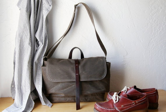 The Day Pack in Stone Waxed Canvas and Leather // Organic Cotton Lining