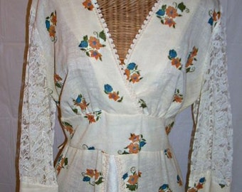 Vintage 70s Renn,Hippie, Boho, Gunne Style Maxi Dress, Flowers, Lace Sleeves,40 Bust, Bohemian Girl, Festival ,Lacey, Flowery