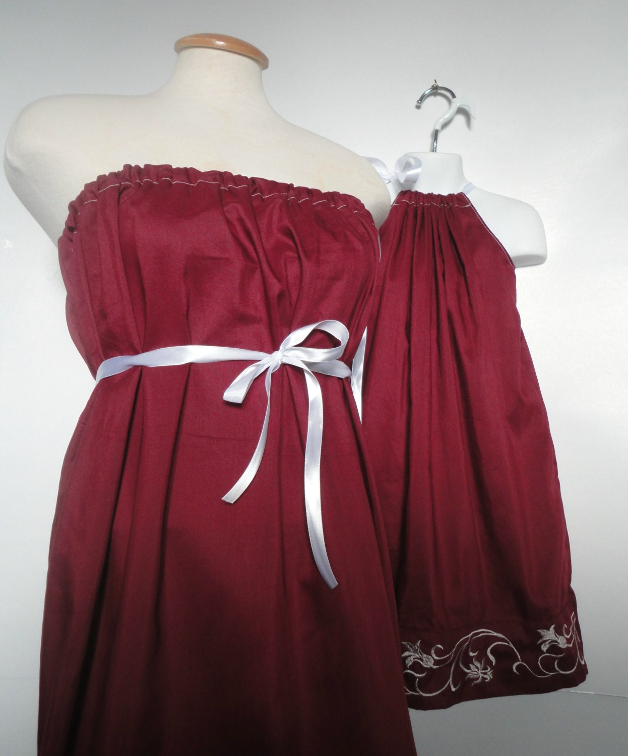 Mommy And Me Christmas Dresses image