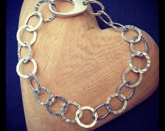 Hammered Circle Link Bracelet