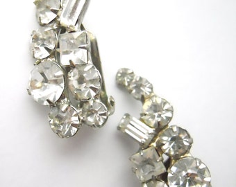 HANDSET RHINESTONE WEDDING Bridal, clip-on earrings, baguette and faceted white rhinestones, vintage 1950s