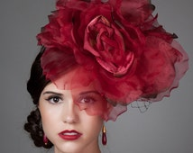 Silk Rose Flower Fascinator. Kentucky Derby Hat in Red. Red Rose Fascinator on Sinamay Base with Veiling. Racing fashion. Statement hat.