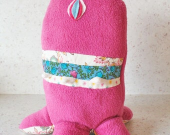 Peluche octopus # 6 : poulpe monstre cute kawaii polaire rose cyclope