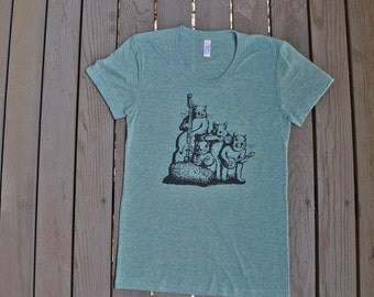 SALE CLEARANCE / Squirrel Band T-Shirt  American Apparel Women's  Tee in Light Green Teal
