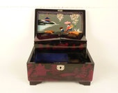 Japanese Jewelry Box / Red and Black lacquered Mount Fuji / Hand painted mirror / Musicbox G