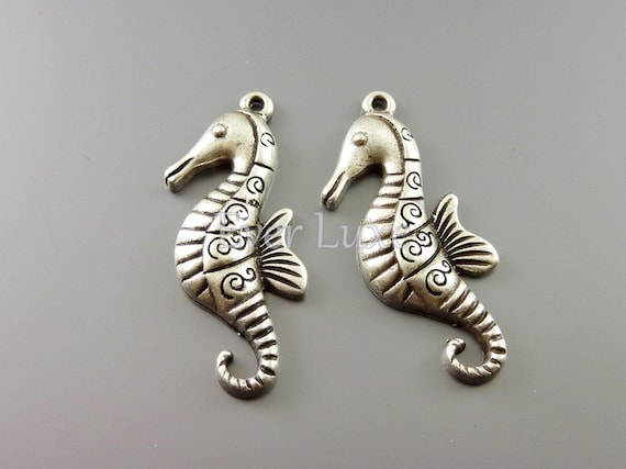 Whimsical seahorse pendants, seahorse charms, antiqued oxidized silver finish, jewelry supplies / craft supplies AN069-S (AN silver, 4 pcs)