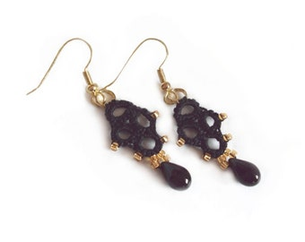 Lace Black Earrings in Tatting with gold beads - Lia