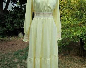 Vintage 70s Hippie Dress// Smocked Waist// Off the Shoulder/ Hippie Boho Retro Mod// Rustic Prairie Festival  S M