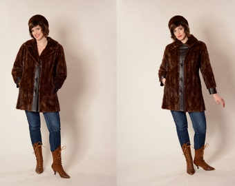 Vintage 1970s Mink Fur Coat - Scalloped Leathered - Winter Fashions