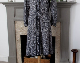Vintage 1940s French workwear dress with ditsy print