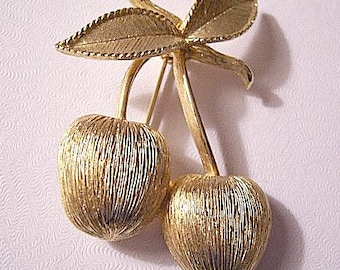 Cherry Berries Fruit Pin Brooch Gold Tone Vintage Long Stems Leaves Brushed Finish Twisted Ribbed Accent Edge
