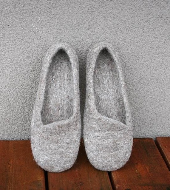 Women slippers - women house shoes, felted slippers, Organic, handmade, made to order, Mother's day gift