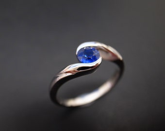 Classic Blue Sapphire Engagement Ring in 14K White Gold