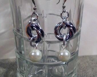 Infinity Loop Pearl Chainmaille Earrings
