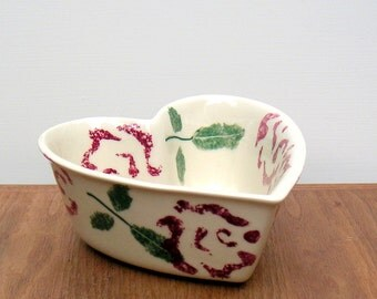 Hartstone Pottery Vintage Floral Heart Bowl Sponge Painted Roses