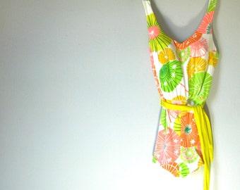 1960s Vintage Deweese Designer Bathing Suit Swimsuit with Sash, Tiki Parasols Drinks Umbrella S/XS