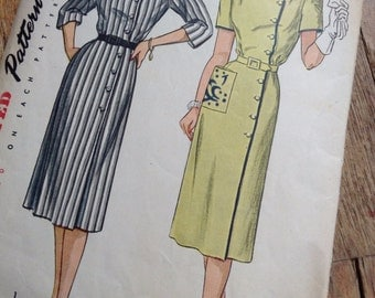 Vintage Simplicity 1942 Square Neck Day Dress Sewing Pattern 40s Bust 33