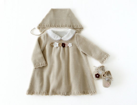 RESERVED Knitted baby dress, cap and shoes set. Baby girl, in pearl. 100% merino wool. READY to SHIP in size Newborn