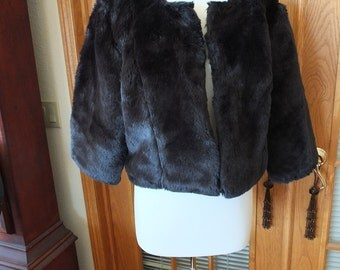 Black faux fur jacket coat wrap outerwear wedding dress perfect accessories