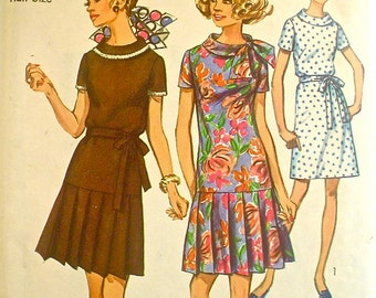Dress Pattern with Pleated Skirt 1960s Simplicity 8602 Bust 41 Petite
