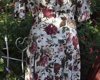 Beautiful Vintage Flowered Knit 1990s Dress Small Medium