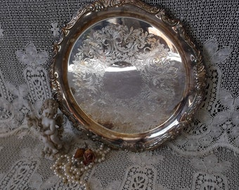 Round Metal Patina tray, Shabby Romantic Cottage, Shabby Victorian, Large tray scalloped edge