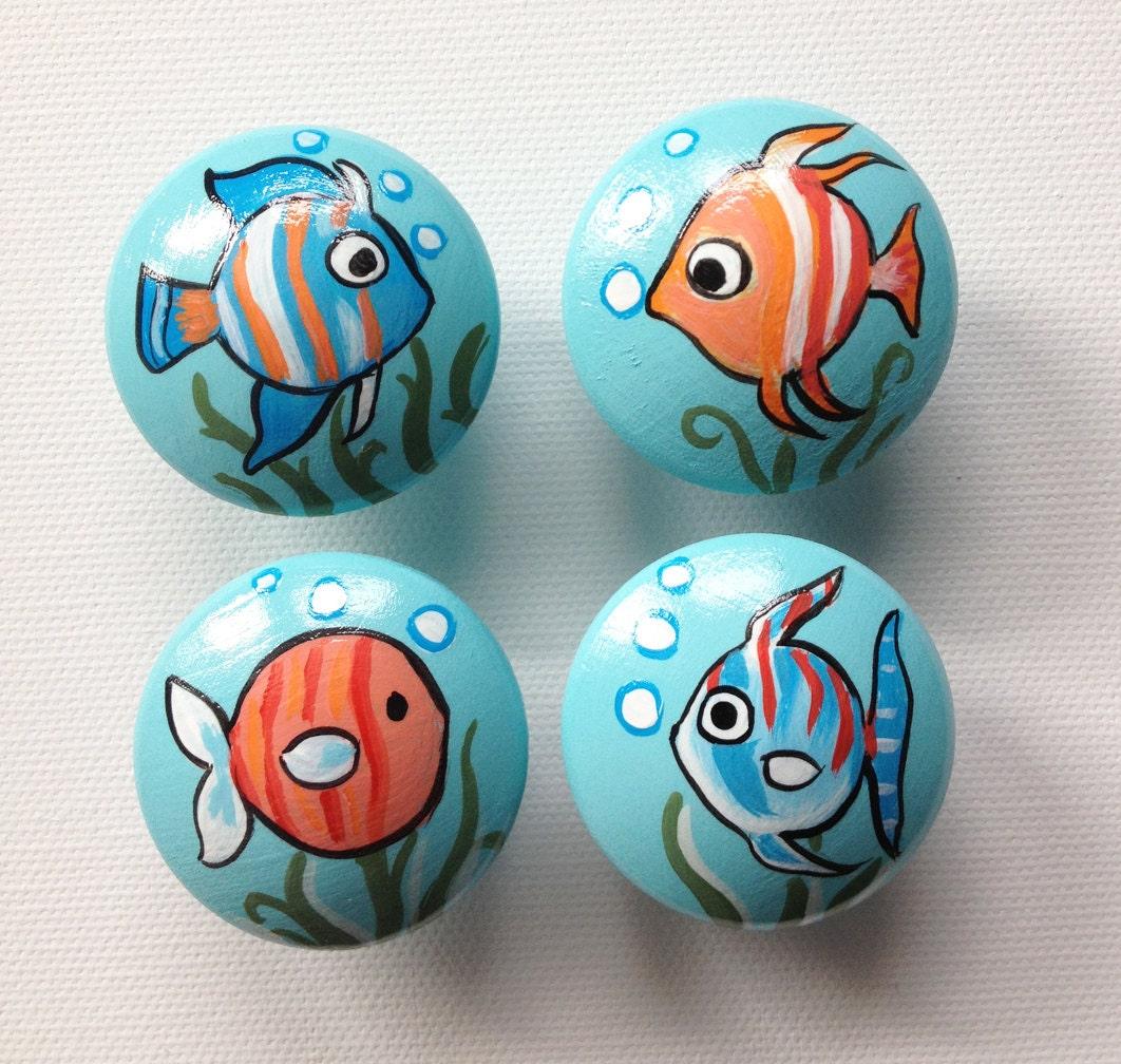 Fish drawer pulls dresser knobs closet handles hand for Fish drawer pulls