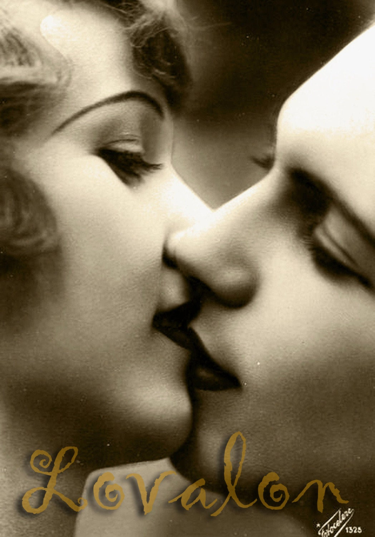 glamorous 1920's romantic kiss  instant digital