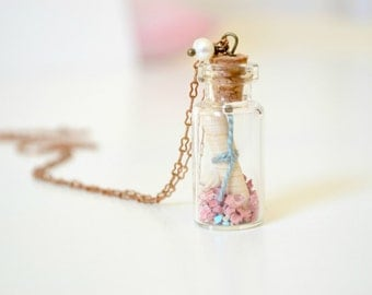 Message In a Bottle Necklace, Terrarium Necklace, Beach Jewelry, Corals Sea Shell Necklace, Eco friendly Nature Necklace, Miniature Jewelry
