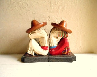 Pair of Vintage Mexican Bookends Carved Wood Siesta Couple with Sombreros
