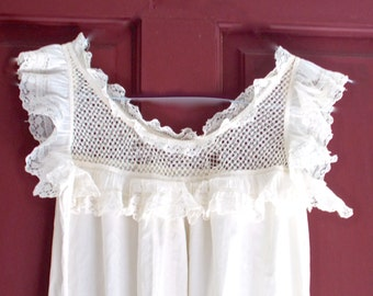 Victorian Pinafore Lace Muslin 1900 Young Girl Room Decoration