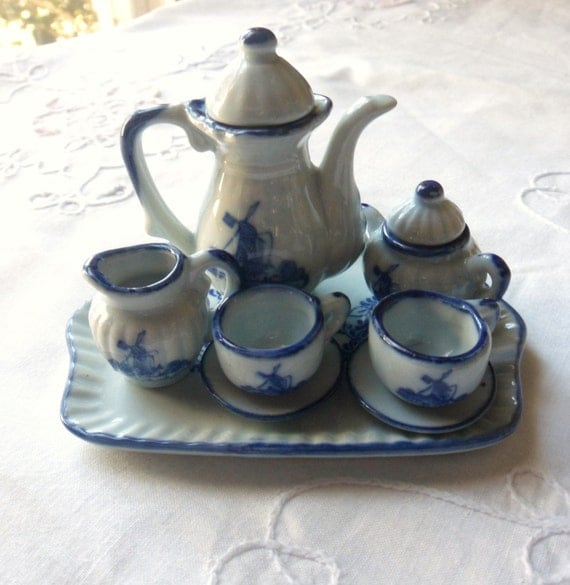 Childrens Delft Dutch Windmill Tea Set Blue And White Delft