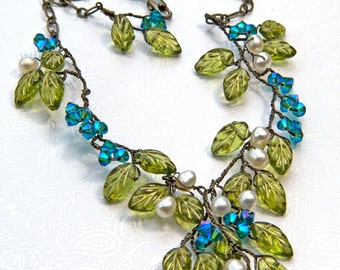 Green and Blue Beaded Necklace, Green and Blue Leaf Necklace, Green and Blue Garden Necklace, Green Blue Fairy Necklace, Woodland Jewelry