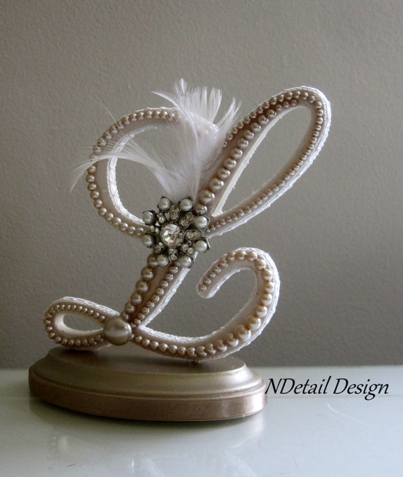 Pearl Wedding Cake Topper Wedding Cake Topper Display