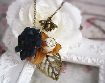 rose bee necklace black cream gold flower cottage chic charm vintage bronze flower leaf woodland shabby jewellery accessory