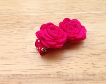 Felt hot pink hair clip- felt flower clip, pink flowers, small flowers, baby flowers