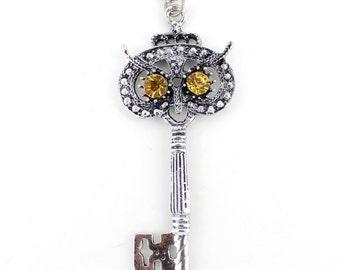 Exquisite Vintage Silver-tone CRYSTAL Owl Key Pendant NECKLACE