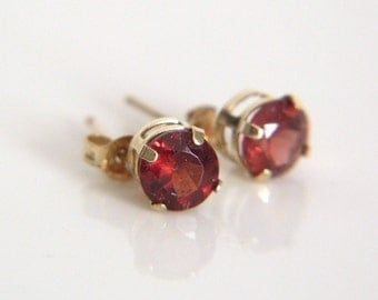 10k Yellow Gold Post Earrings with 5 mm Garnets - Gold Garnet Earrings