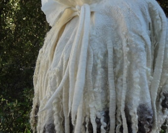 Stole/wrap of silk chiffon with merino wool, color blanc.