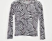 RESERVED 90s Black + White Swirl Graphic Mesh Shirt