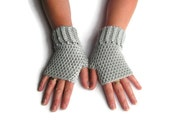 Womens fingerless gloves, crochet gloves, fingerless mittens, womens gift, wrist warmers.
