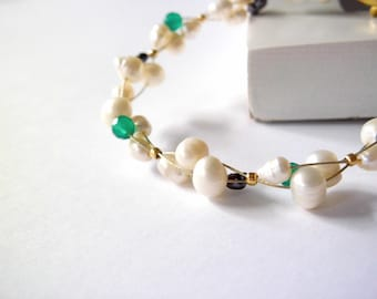 Bridesmaid bracelet / wedding jewelry / bridal / natural freshwater pearls / wedding jewelry/ bangle gift / golden bracelet /silver