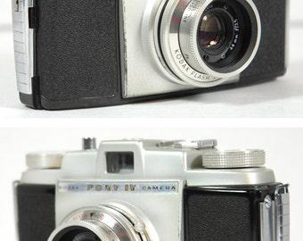 Vintage 1950s Kodak Pony IV Camera with leather case