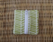 Small green patterned coin purse